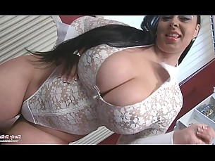 boobs,european,latina,chubby,busty