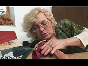 mature,granny,grandma,older-younger,old-pussy
